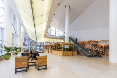Interior of the Cira Centre lobby